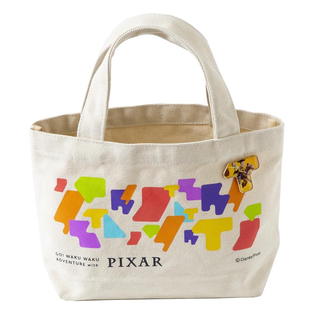 ピンバッジ付ランチトート ウッディ ジェシー ブルズアイ【Go! WAKU WAKU ADVENTURE with PIXAR】