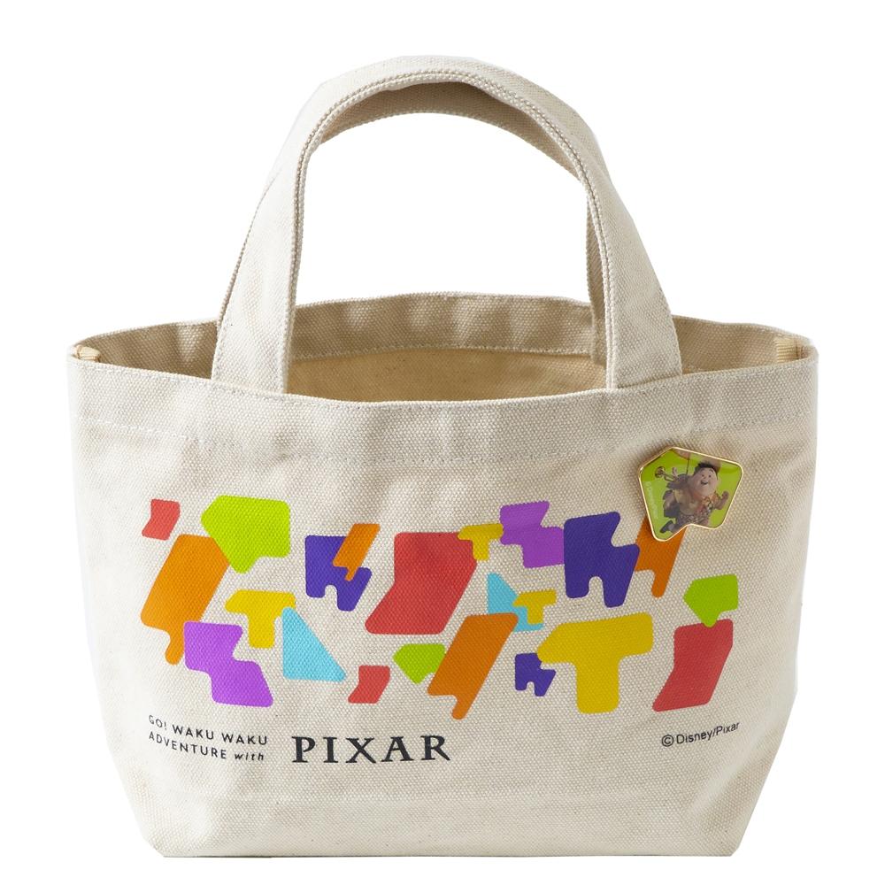 ピンバッジ付ランチトート ラッセル【Go! WAKU WAKU ADVENTURE with PIXAR】