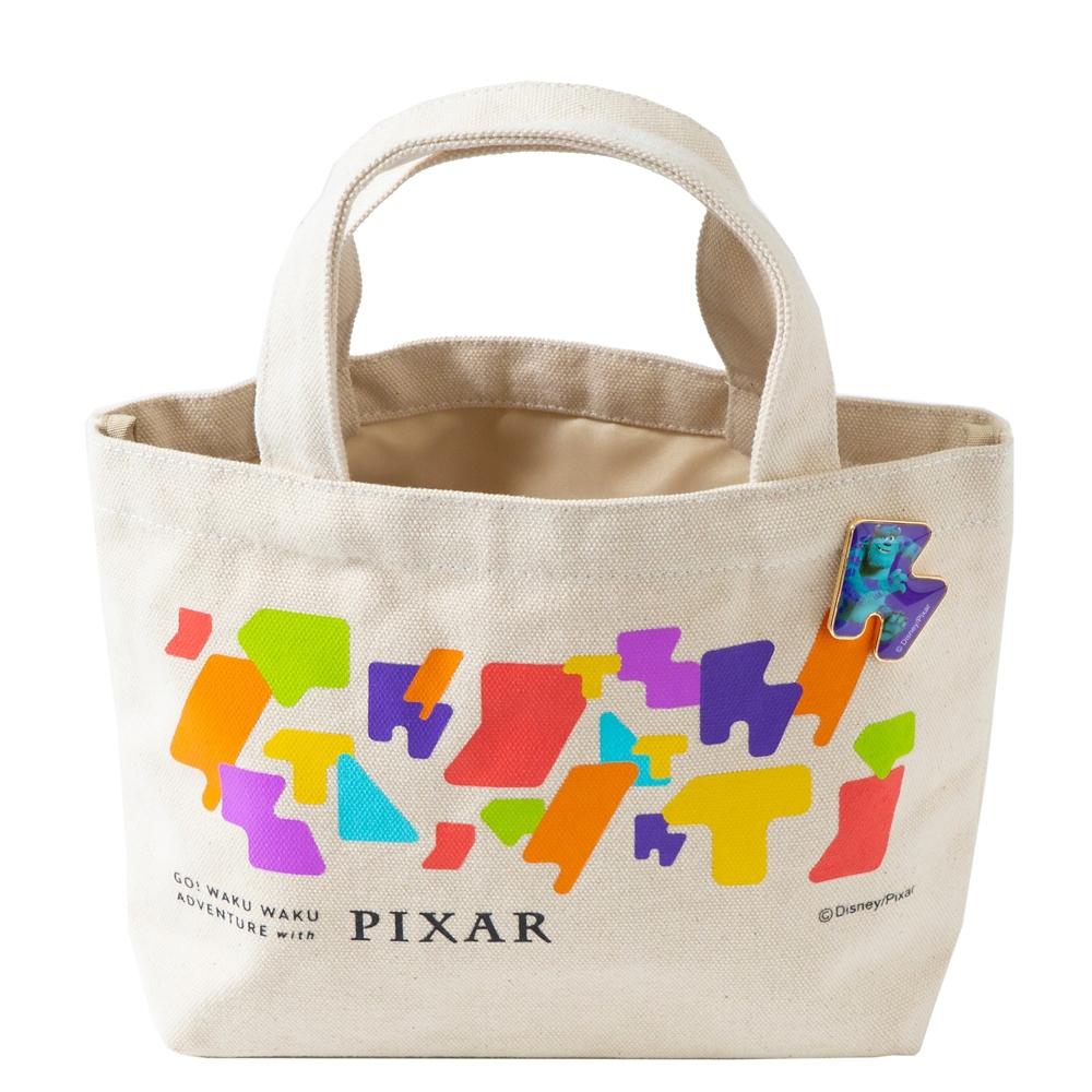ピンバッジ付ランチトート サリー【Go! WAKU WAKU ADVENTURE with PIXAR】