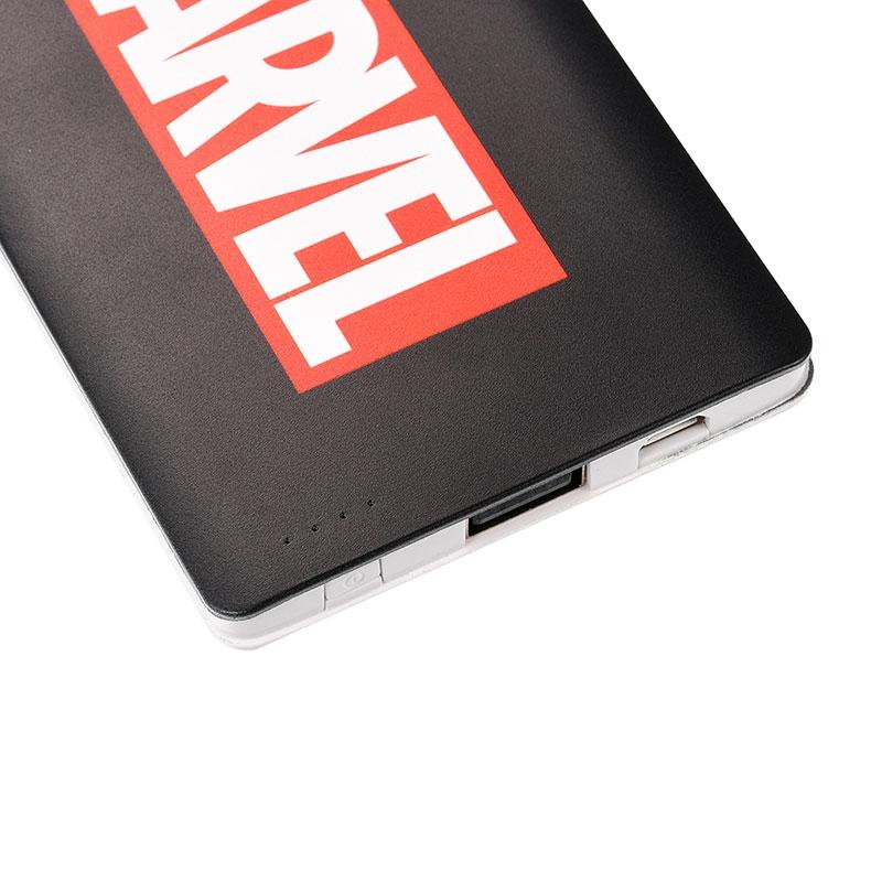 モバイルバッテリーチャージャー マーベル ロゴ ブラック&レッド