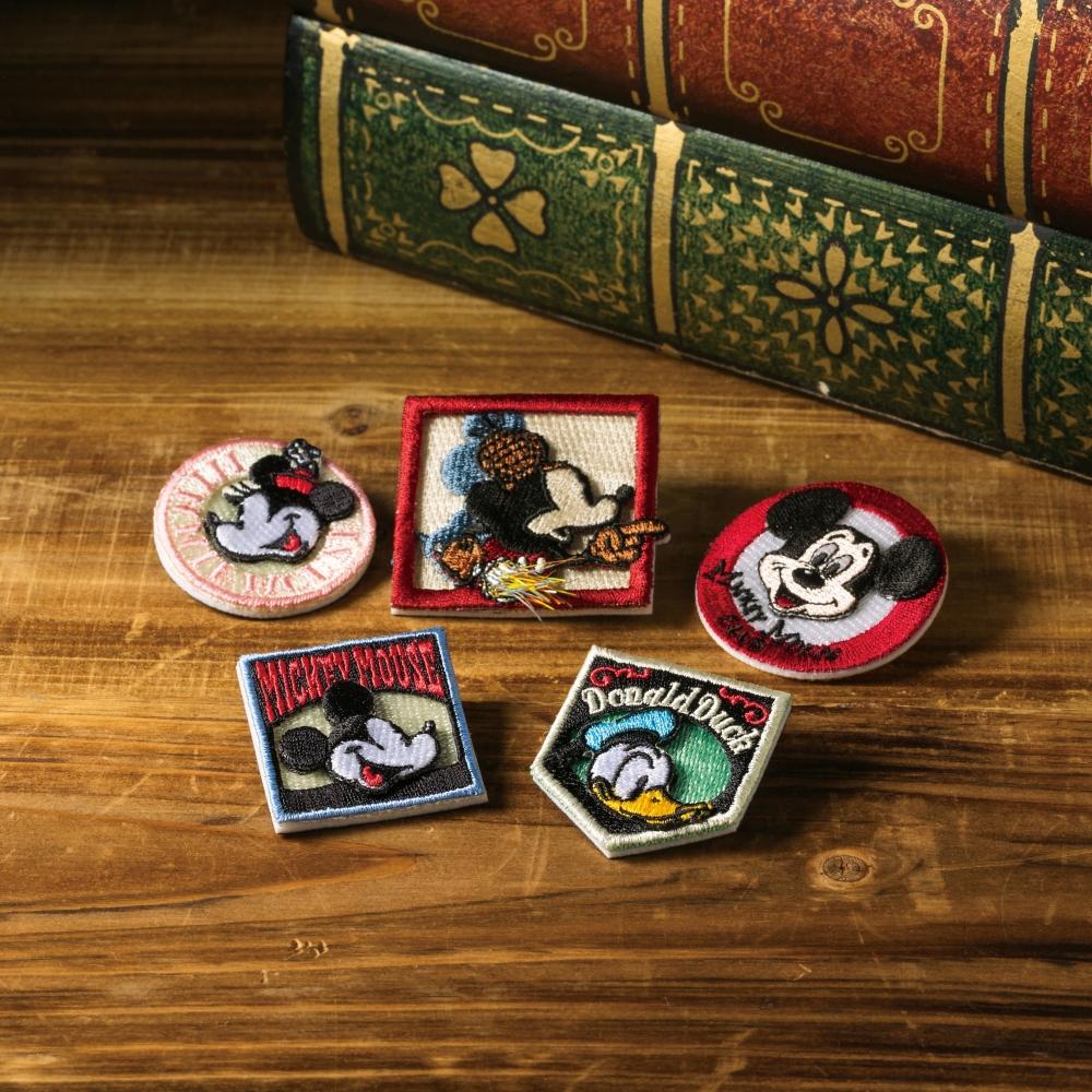 ミニーマウス 刺繍ブローチ バッジミニー